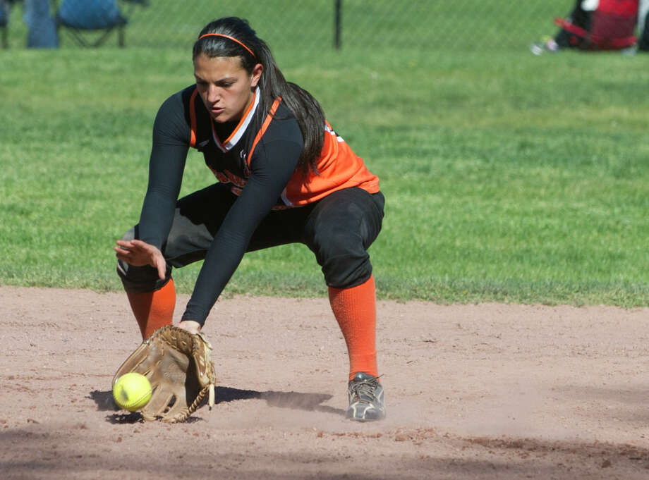 Stamford's Krista Robustelli fields a ball. Robustelli leads the Black Knights into Monday's FCIAC quarterfinals. Photo: Lindsay Perry / Stamford Advocate