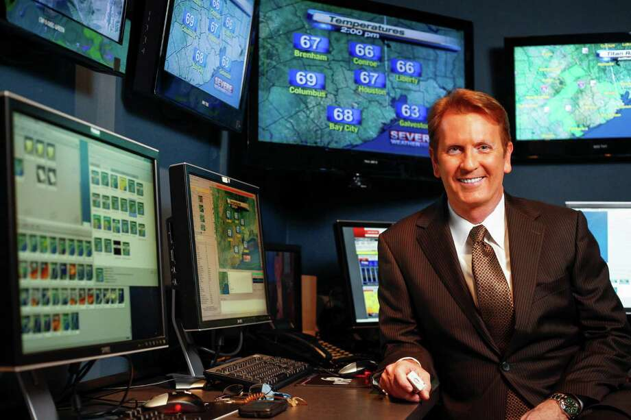 KPRC Local 2 meteorologist Frank Billingsley has an explanation for Conroe's cooler temperatures. Photo: Michael Paulsen, Staff / © 2011 Houston Chronicle