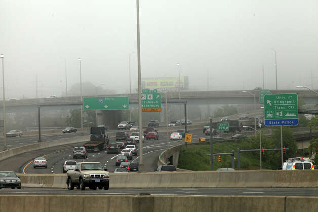 View of traffic headed south on I 95 while train service is suspended on Monday, May 20, 2013. There was no train service from Bridgeport to South Norwalk because of a train collision on Friday. Photo: BK Angeletti, B.K. Angeletti / Connecticut Post freelance B.K. Angeletti