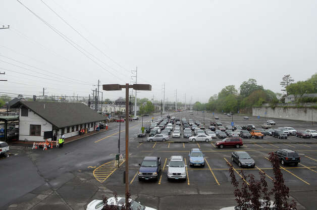 The downtown Fairfield train station has fewer cars than usual around 8am on Monday morning, May 20, 2013. There was no train service in Fairfield due to Friday's train crash. Photo: Shelley Cryan / Shelley Cryan for the CT Post/ freelance Shelley Cryan