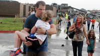 Huge tornado hits Oklahoma City suburb, kills 51 - Photo
