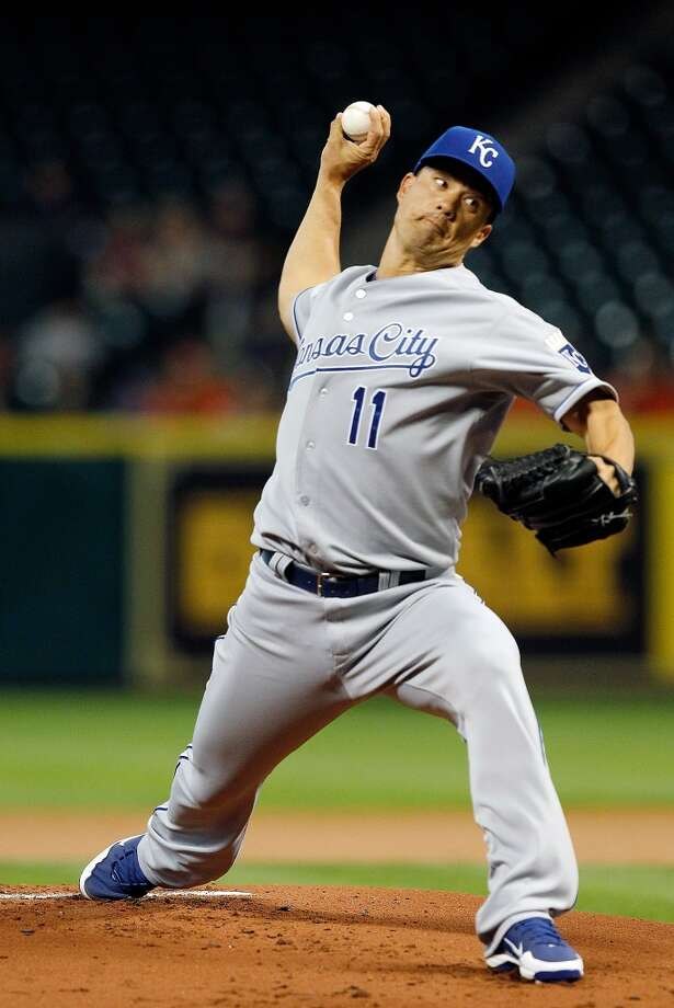 Royals pitcher Jeremy Guthrie pitches against the Astros in the first inning.