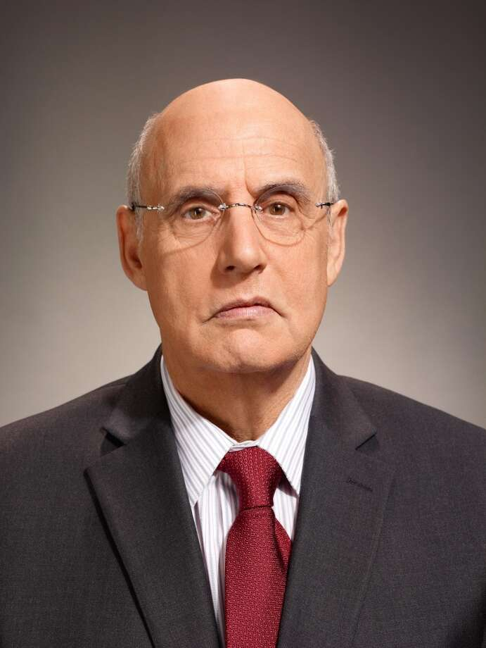 "Jeffrey Tambor returns to ""Arrested Development"" on Netflix."