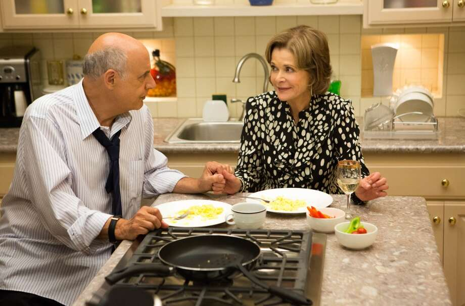"Jeffrey Tambor (L) and Jessica Walter (R) in a scene from Netflix's ""Arrested Development."""