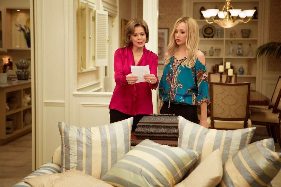 "Jessica Walter (L) and Portia de Rossi (R) in a scene from Netflix's ""Arrested Development."""
