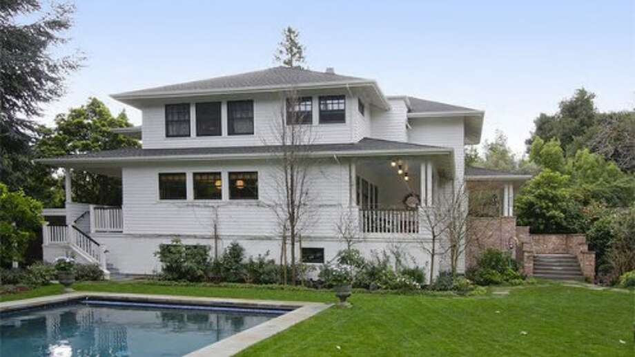 Want to see photos of Mark Zuckerberg's Palo Alto home?Exterior (not too flashy!). Photos via Sweety Design.