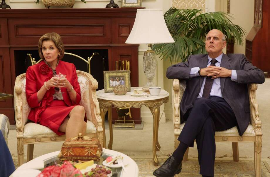 "Jessica Walter (L) and Jeffrey Tambor (R) in a scene from Netflix's ""Arrested Development."""