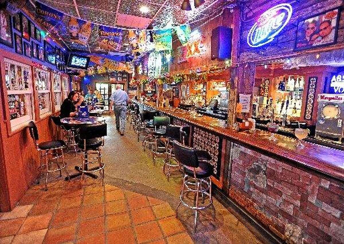 The bar area at Cafe Del Rio