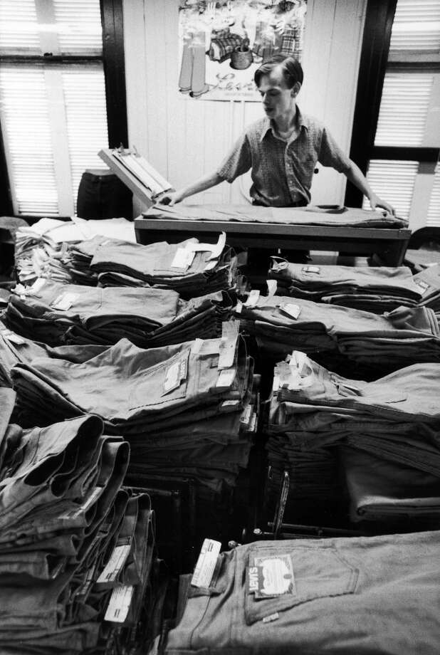 Working folding pair of Levi's at factory, 1973.