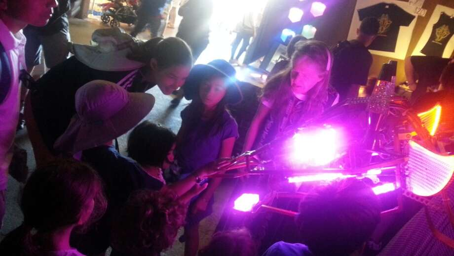 Kids get to know a DIY dragon