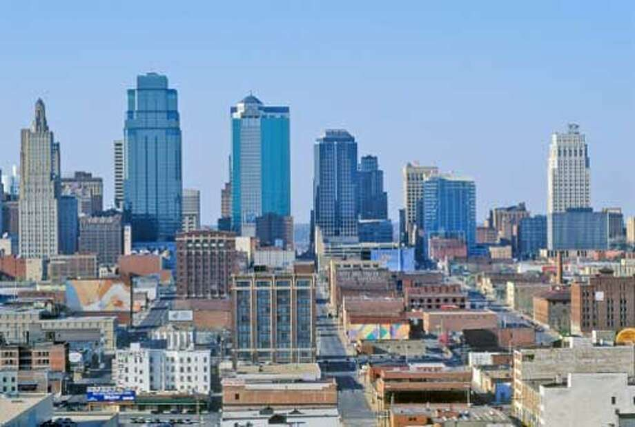 6. Kansas City, MO: Kansas City placed well because of its low crime rate and ample park space. / (c) VisionsofAmerica/Joe Sohm