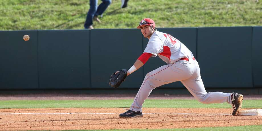 Justin Montemayor is hitting .321 this season. (Photo courtesy of UH athletics)