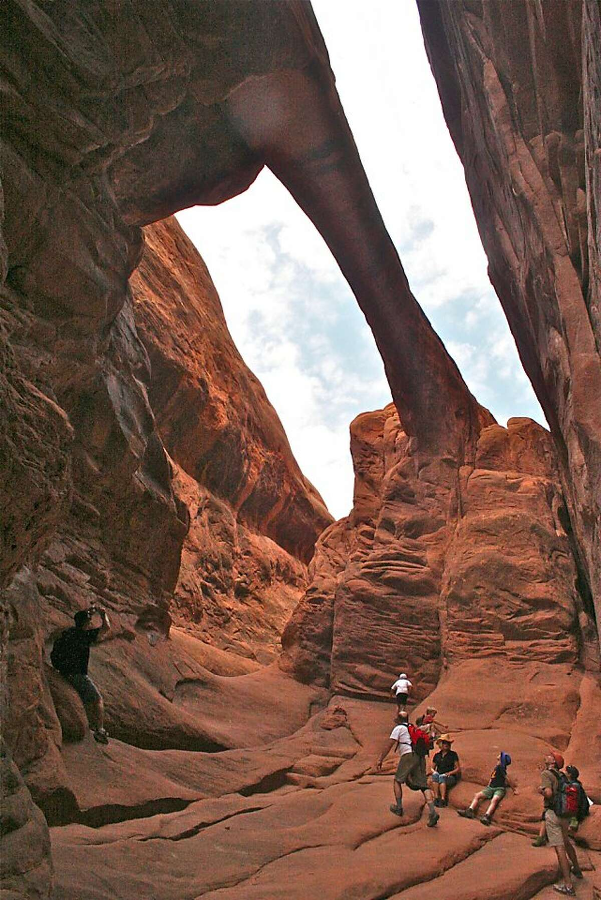 Despite being one of the largest arches in Fiery Furnace, Surprise Arch is easy to miss. Legend has it that the arch got its name when an expedition camped right under it and didn't notice until the next morning.