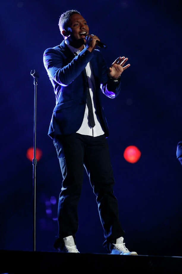 "THE VOICE -- Episode 415A ""Live Show"" -- Pictured: Kris Thomas -- Photo: NBC, Trae Patton/NBC / 2013 NBCUniversal Media, LLC"