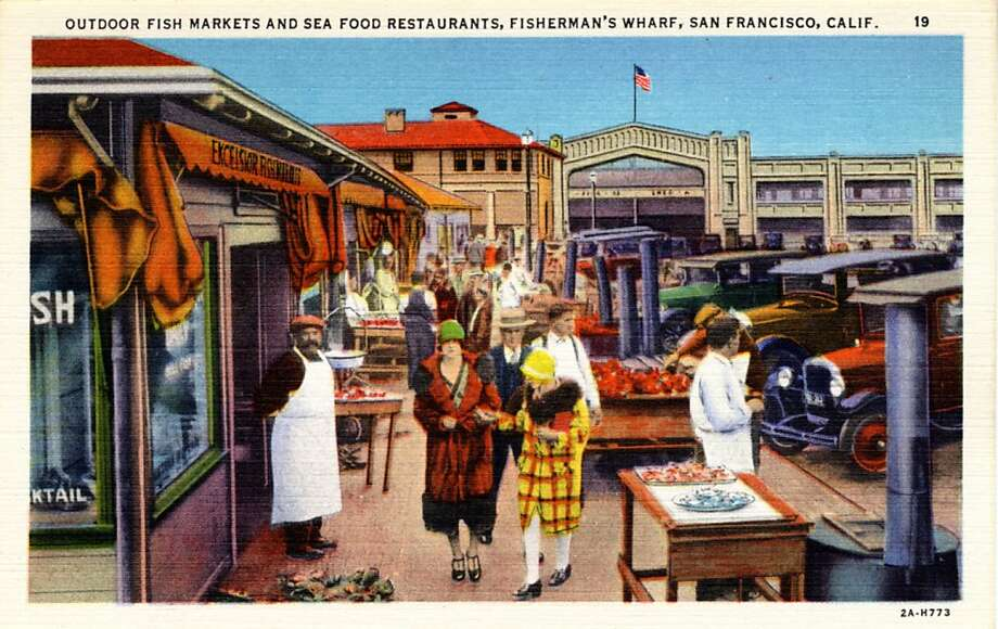 Vintage linen postcard showing people milling about in an outdoor fish market.  Photo: Curt Teich Postcard Archives