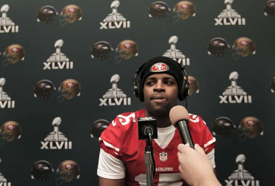 49er receiver Michael Crabtree, 15,  is interviewed during the daily press conference for the San Francisco 49ers on Wednesday January 30, 2013.