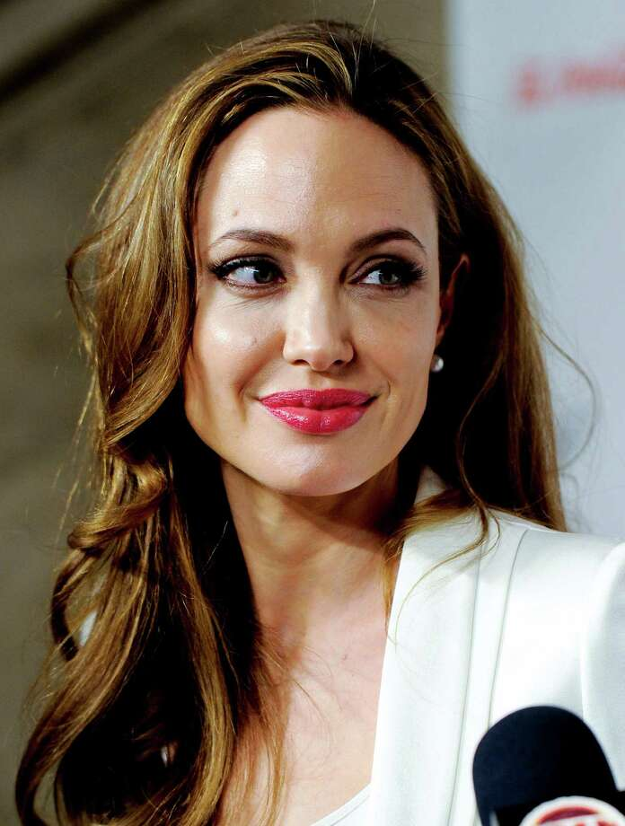 Fotograféa de archivo del 8 de marzo de 2012 muestra a la actriz Angelina Jolie en la Cumbre Mujeres en el Mundo, en Nueva York. (Foto AP/Evan Agostini, archivo) Photo: Evan Agostini, FRE -end- / AGOEV