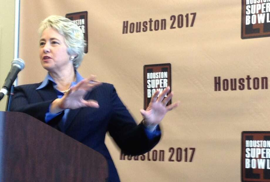 Houston Mayor Annise Parker speaks at Houston Super Bowl Bid Committee news conference on Wednesday.