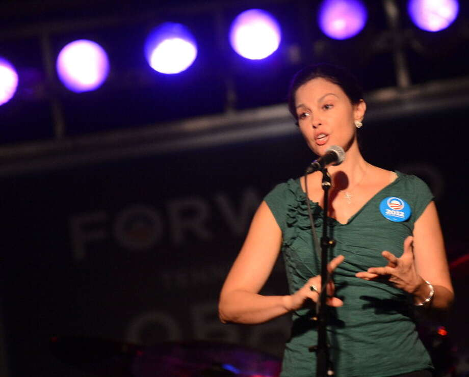 NASHVILLE, TN - OCTOBER 04:  Actress Ashley Judd addresses the crowd during Tennesseans For Obama Benefit at The Cannery Ballroom on October 4, 2012 in Nashville, Tennessee.  (Photo by Rick Diamond/Getty Images) Photo: Rick Diamond, Getty Images