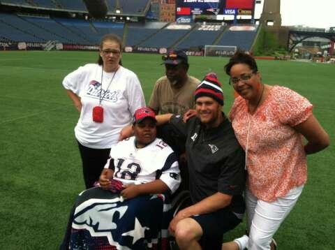 Ill boy gets day with Patriots' Tom Brady - Times Union