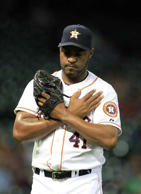 After a rough start to the season in which he received few save chances, Astros closer Jose Veras has converted all six of his save opportunities since May 7 without allowing a hit or run. Photo: Karen Warren, Staff / © 2013 Houston Chronicle