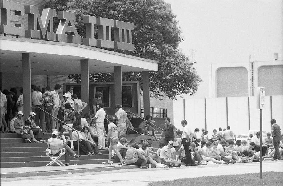 """Star Wars"" fans outside the Meyerland Plaza's General Cinema theater to see ""Return of the Jedi,"" May 25, 1983."