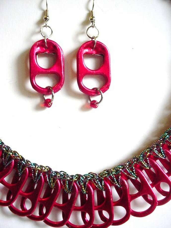 Necklace and earrings made from energy drink tabs