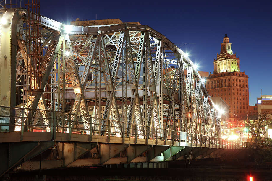 10.3% of New Jersey bridges are deemed structurally deficient. Photo: Jumper, Getty Images / (c) Jumper