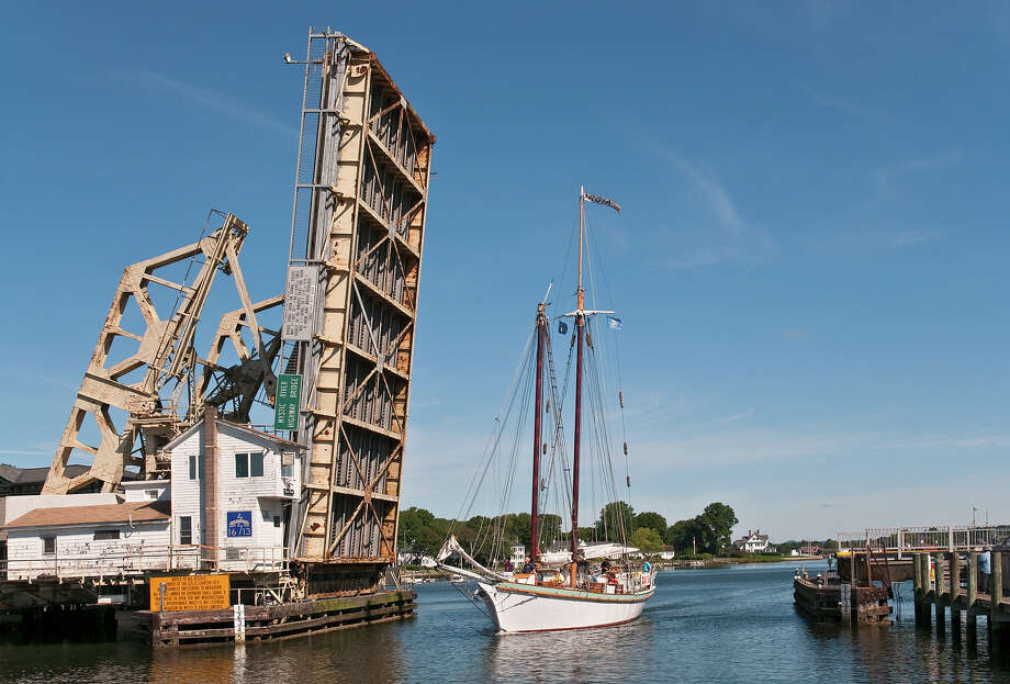 9.2% of Connecticut bridges are deemed structurally deficient. Photo: Stephen Saks, Getty Images/Lonely Planet Images / Lonely Planet Images