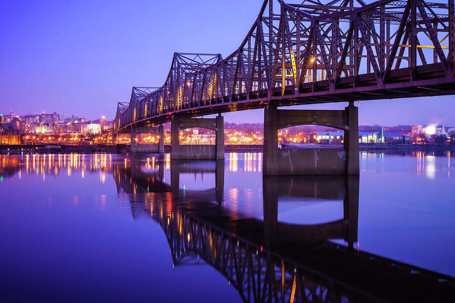 8.5% of Illinois bridges are deemed structurally deficient. Photo: Paul Velgos, Getty Images / (c) Paul Velgos