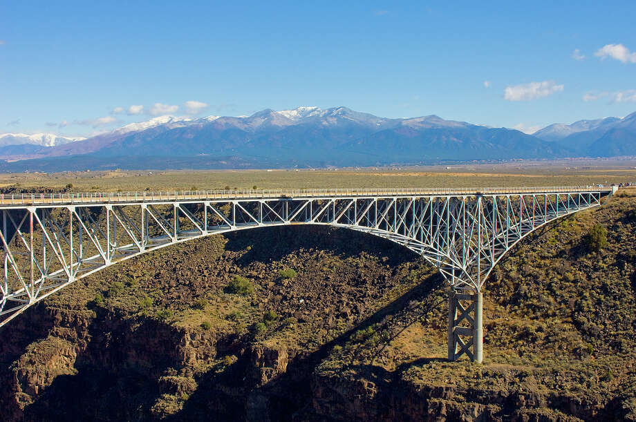8.5% of New Mexico bridges are deemed structurally deficient. Photo: Education Images, UIG Via Getty Images / Universal Images Group Editorial