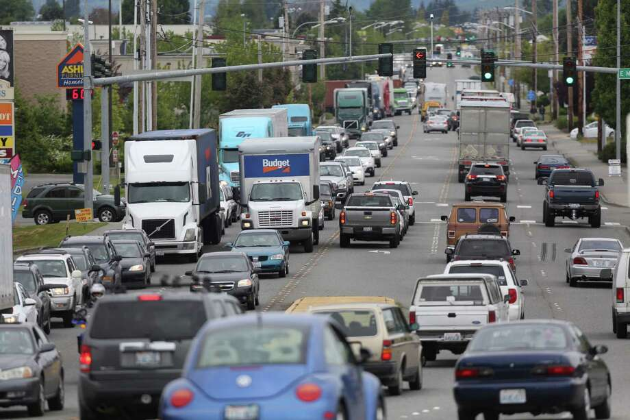 South Burlington Boulevard is shown the day after the Interstate 5 bridge over the Skagit River between Mt. Vernon and Burlington collapsed. Three people, two cars and one travel trailer went into the water and were rescued. Photo: JOSHUA TRUJILLO, SEATTLEPI.COM / SEATTLEPI.COM