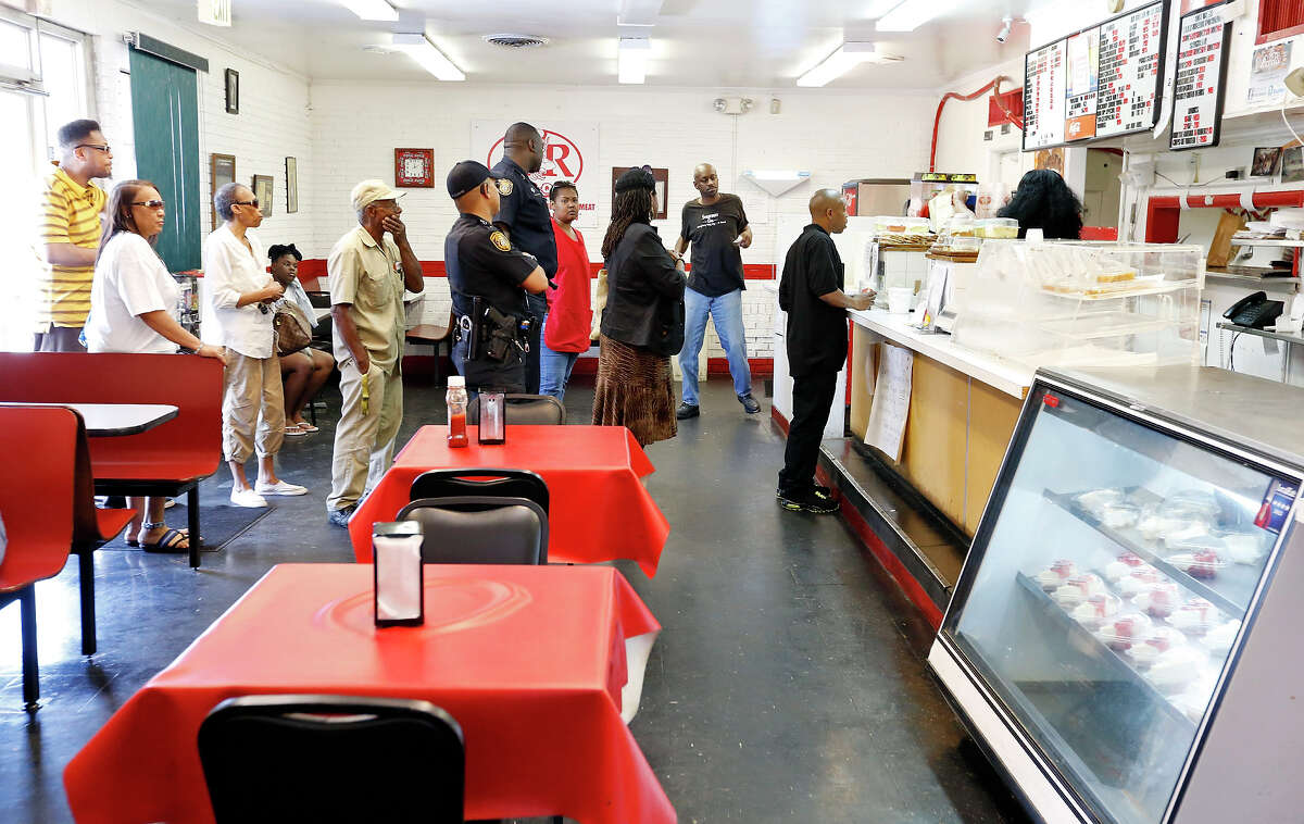 Patrons wait in line at A&R Bar-B-Que Thursday May 23, 2013 in Memphis, Tenn.