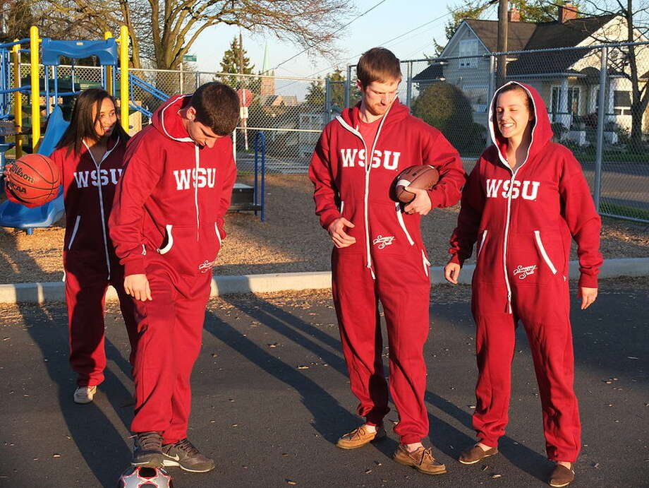 Some non-NBA stars show off their WSU Swagga Suits.