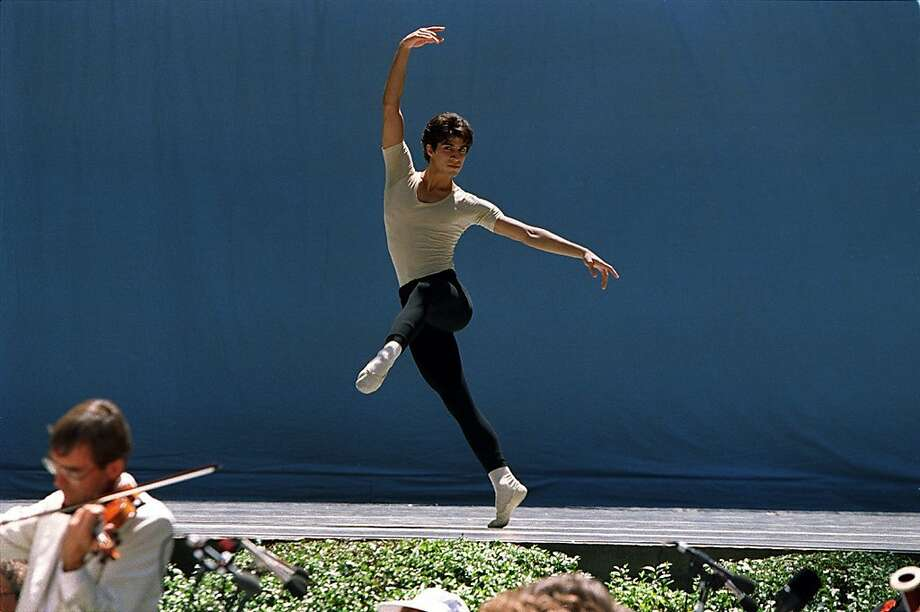 Felipe Diaz in his last year dancing with S.F. Ballet. Photo: Lea Suzuki, SFC
