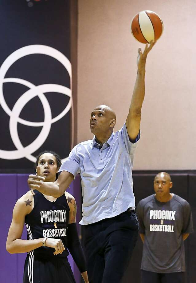 Kareem Abdul-Jabbar demonstrates his sky hook for Brittney Griner in Phoenix. Photo: Ross D. Franklin, Associated Press