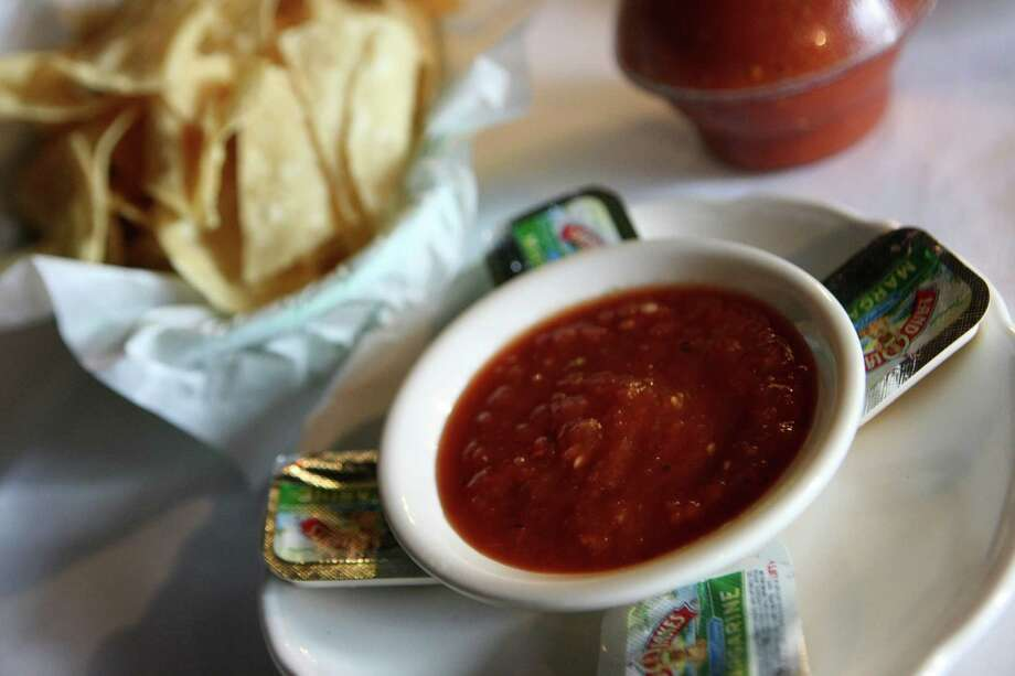 Chips and salsa from El Maracumbe which has been serving classic Tex-Mex since 1978. Photo: Helen L. Montoya, San Antonio Express-News / ©SAN ANTONIO EXPRESS-NEWS