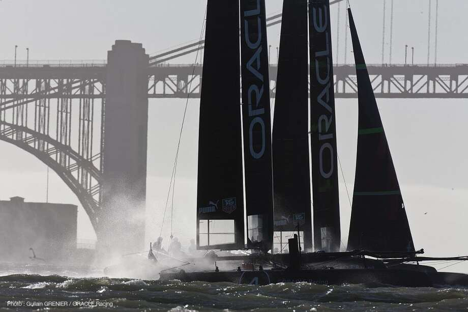 ORACLE Racing training on the bay.