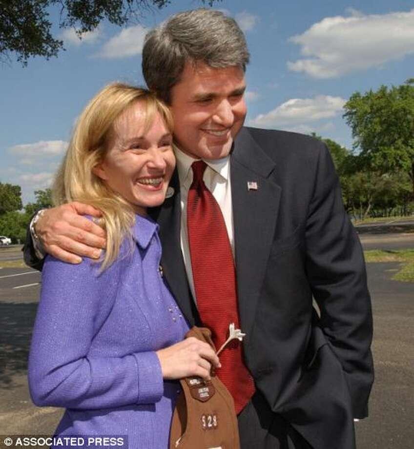 Michael and Linda McCaul Photo: © ASSOCIATED PRESS