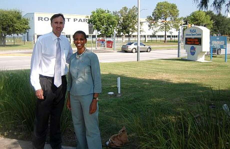 Reps. Pete Olson and Donna Edwards outside of NASA HQ in Houston.
