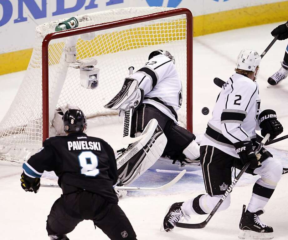 Jonathan Quick (32) can't keep Joe Thornton's shot out of the net in the first period. The San Jose Sharks played the Los Angeles Kings at HP Pavilion in San Jose, Calif., on Sunday, May 26, 2013, in Game 6 of the NHL Western Conference Semifinals. Photo: Carlos Avila Gonzalez, The Chronicle