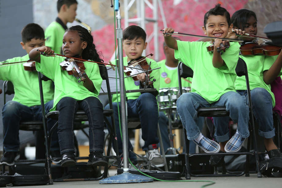 Members of the Southeast Seattle Youth Orchestra perform. Photo: JOSHUA TRUJILLO, SEATTLEPI.COM / SEATTLEPI.COM