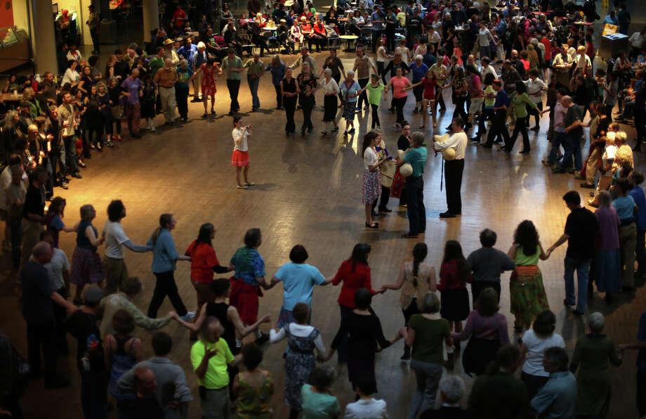People dance to Balkan music. Photo: JOSHUA TRUJILLO, SEATTLEPI.COM / SEATTLEPI.COM