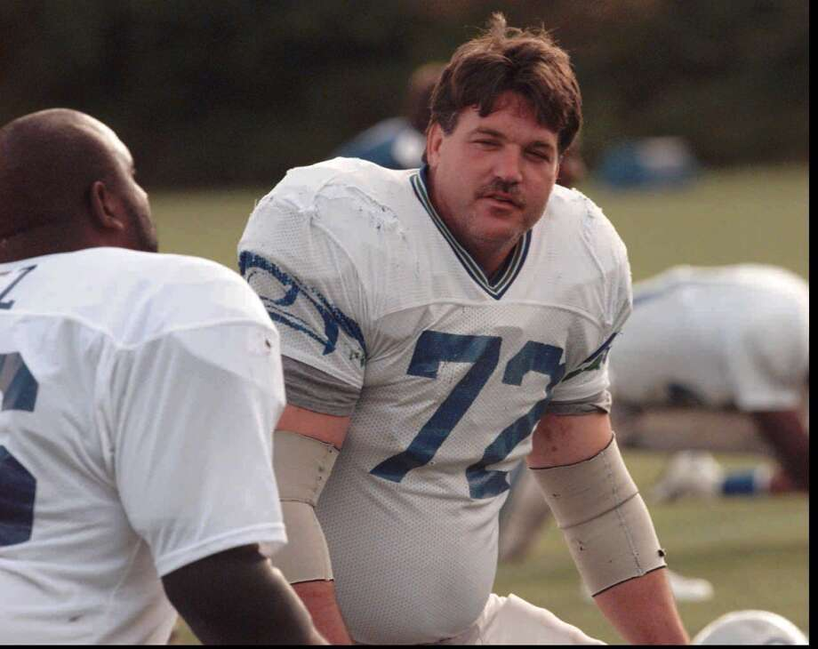 Defensive tackle: Joe Nash (1982-96) Pro Bowl: 1984 | All-Pro: 1984  Yet another lifelong Seahawk, Nash played in Seattle for all 15 of his NFL seasons first as a nose tackle then mainly as left DT. He retired after the 1996 season with 47.5 sacks, 779 total tackls and one interception he returned for a 13-yard touchdown in 1993.