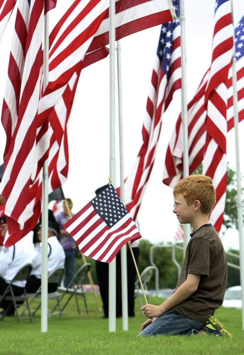 If you're looking for something to do this Memorial Day Weekend, here are some family-friendly events and freebies for active-duty military.