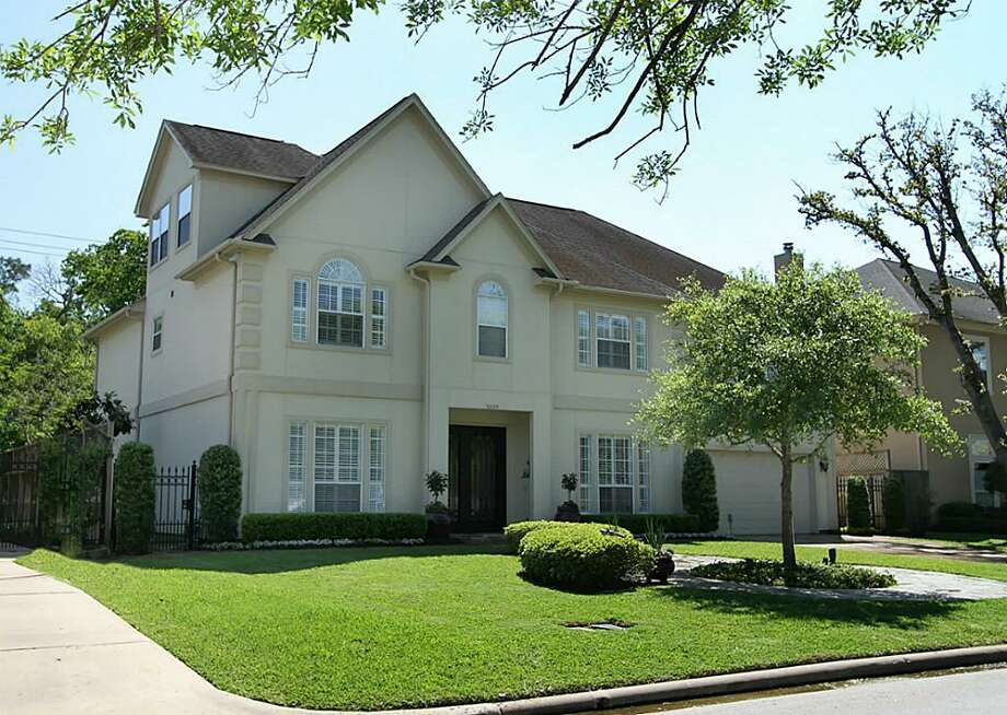 The home at 5209 Pocahontas St. is elegant and stately in the heart of Bellaire. Photo: RE/MAX Realty Center
