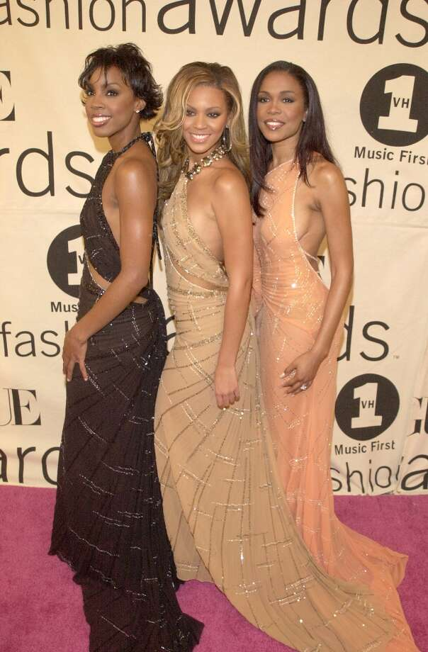 Same dress, different colors in 2000. Photo: D. Kambouris, WireImage / WireImage