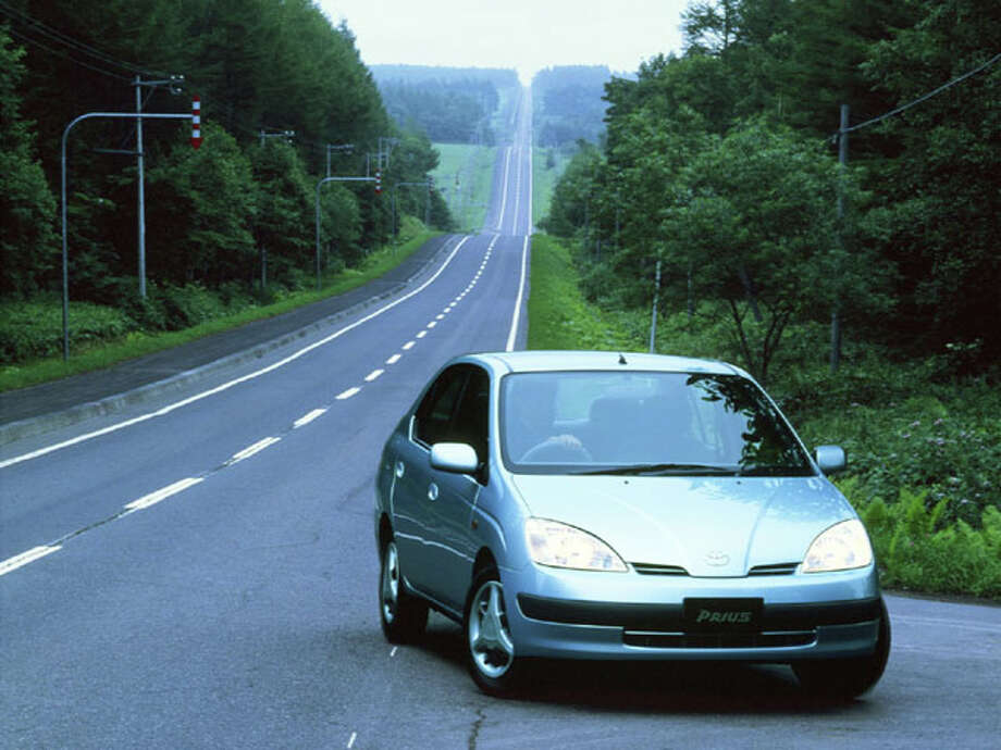 1998-2001 Toyota Prius Photo: Toyota Motor Company