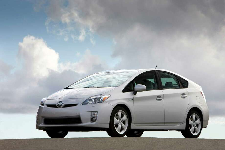 Some states are looking into taxing hybrids in an effort to recoup road funding. The following are the best hybrids on the U.S. market.  Photo: David Dewhurst, Toyota Motor Company / Copyright 2008 Dewhurst Photography All Rights Reserved