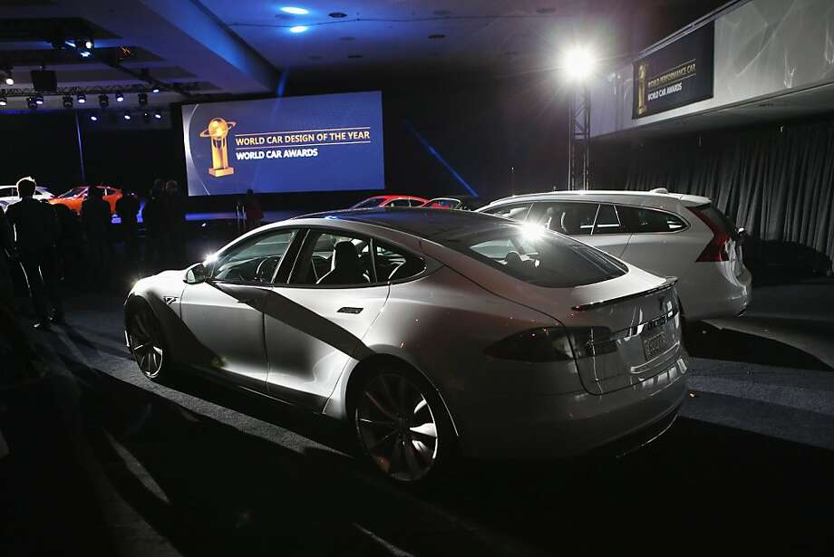 A Tesla Model S is displayed after winning the 2013 World Green Car of the Year award in March. Photo: John Moore, Getty Images